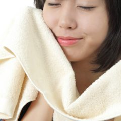 towel_with_model